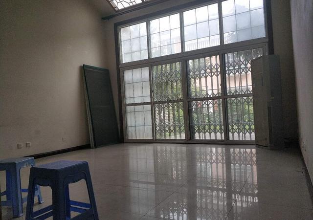 青浦区-西郊玫瑰湾花苑(别墅)-4室3厅3卫-205㎡